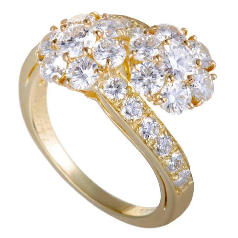 Van Cleef & Arpels Fleurette Diamond Flower Bypass Gold Ring