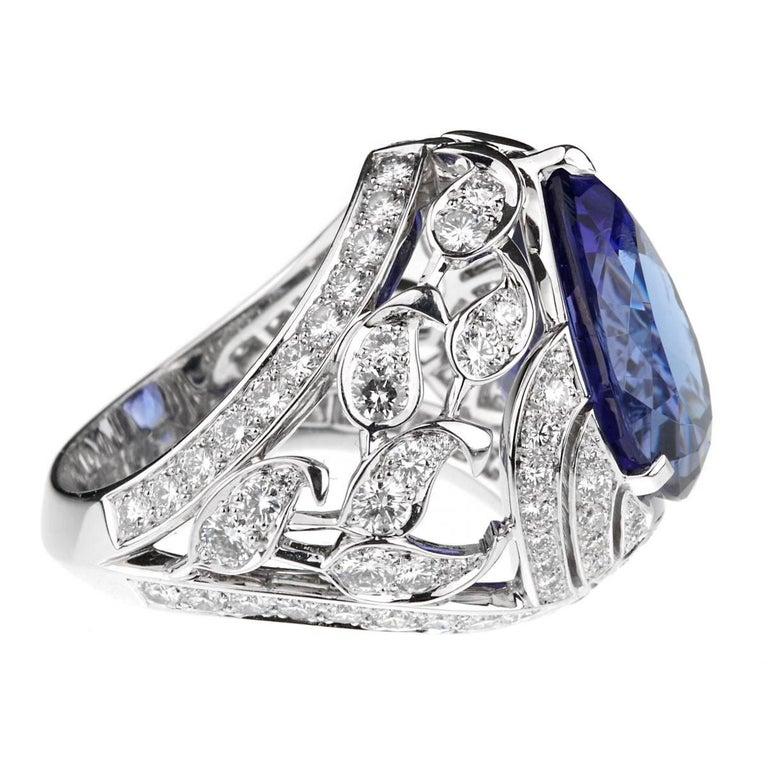 Van Cleef & Arpels Les Jardins Tanzanite Diamond Suite In As New Condition For Sale In Feasterville, PA