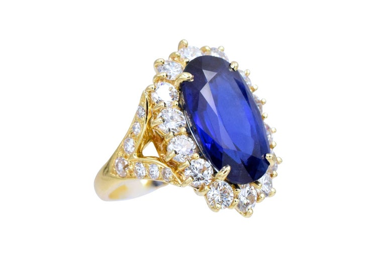 Artist Van Cleef & Arpels No Enhancement Burmese 12.01 carat Sapphire  Diamond  Ring For Sale