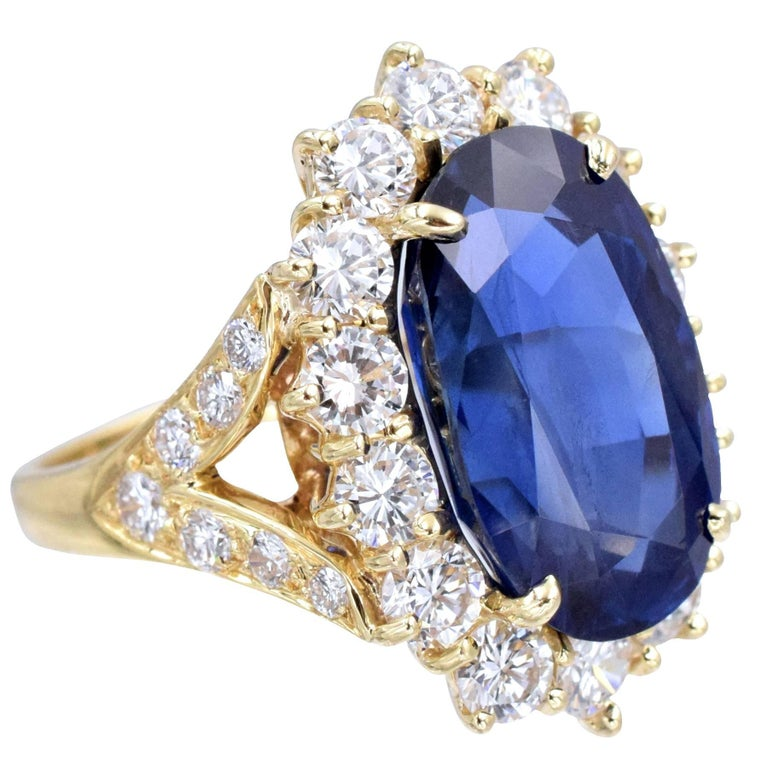 Van Cleef & Arpels No Enhancement Burmese 12.01 carat Sapphire  Diamond  Ring For Sale