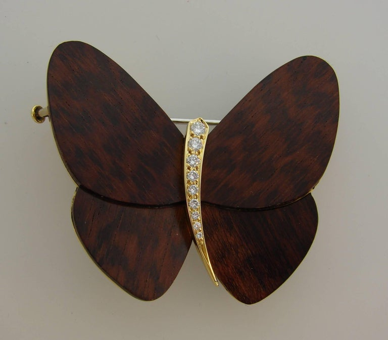 Van Cleef & Arpels Wood Diamond Yellow Gold Butterfly Pin Brooch Clip VCA In Excellent Condition For Sale In Beverly Hills, CA