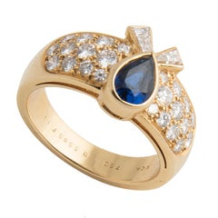 Van Cleef and Arpels 18k Yellow Gold Diamond and Blue Sapphire Ring