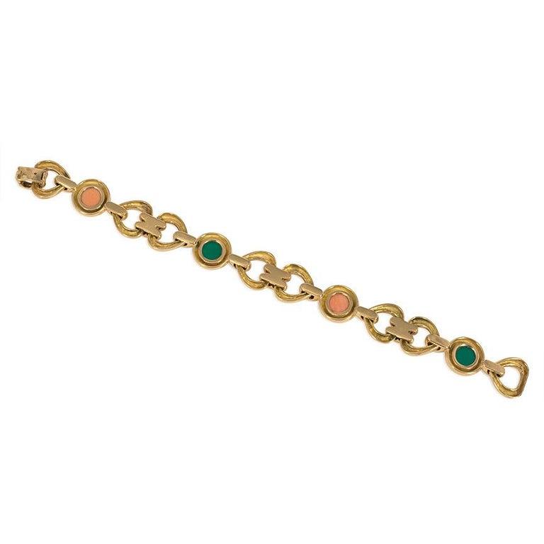 Cabochon Van Cleef & Arpels 1970s Gold, Coral, and Chrysoprase Link Bracelet For Sale