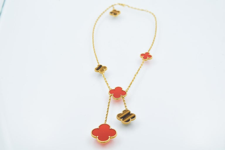 Van Cleef & Arpels 6 Motif Carnelian and Tigers Eye Alhambra Necklace For Sale 2