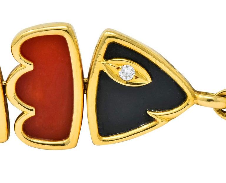 Van Cleef & Arpels Coral Black Onyx 18 Karat Gold Articulated Fish Bracelet For Sale 1