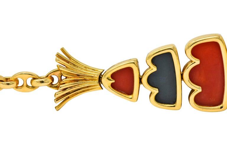 Van Cleef & Arpels Coral Black Onyx 18 Karat Gold Articulated Fish Bracelet For Sale 2
