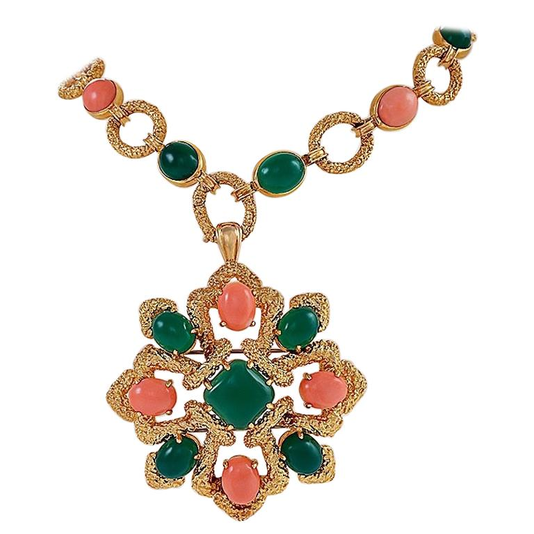 "Van Cleef and Arpels Gold, Coral and Chrysoprase ""Delphe"" Sautoir For Sale"