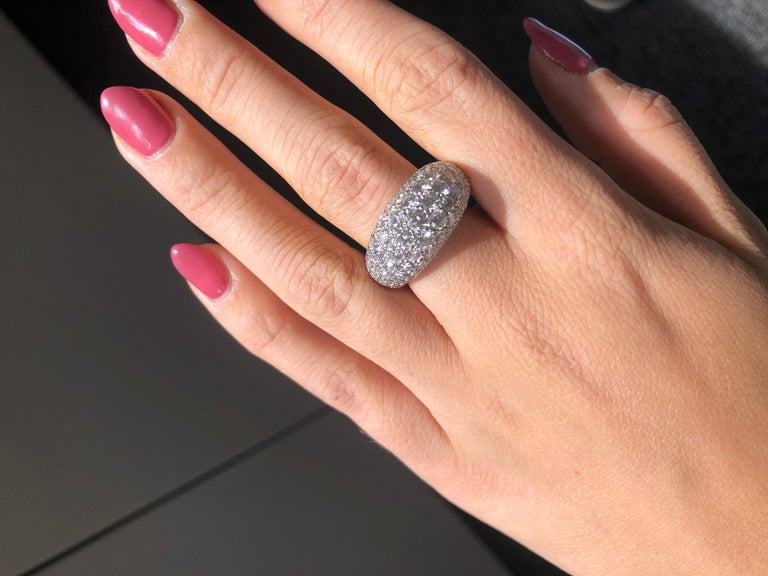 Van Cleef & Arpels Platinum Dome Ring with Diamonds For Sale 4