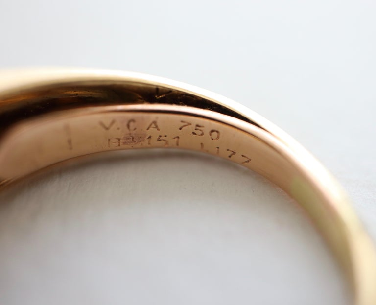 Van Cleef & Arpels Ring Yellow Gold and White Gold 18 Karat Lapis Lazuli For Sale 1