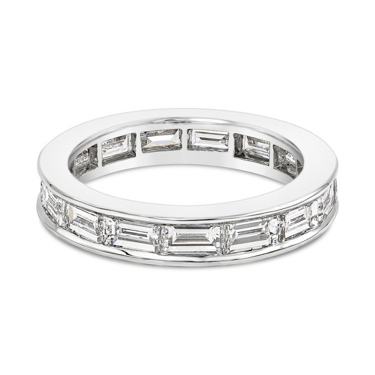 A beautiful wedding band part of the Romance collection by Van Cleef and Arpels. Showcasing a row of baguette diamonds weighing 1.65 carats total, set in a beautiful channel made in platinum. Diamonds are approximately D-E color, VVS clarity. Made