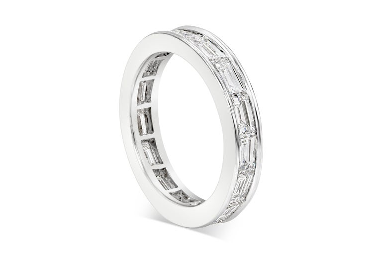 Contemporary Van Cleef & Arpels Romance Baguette Diamond Eternity Wedding Band For Sale