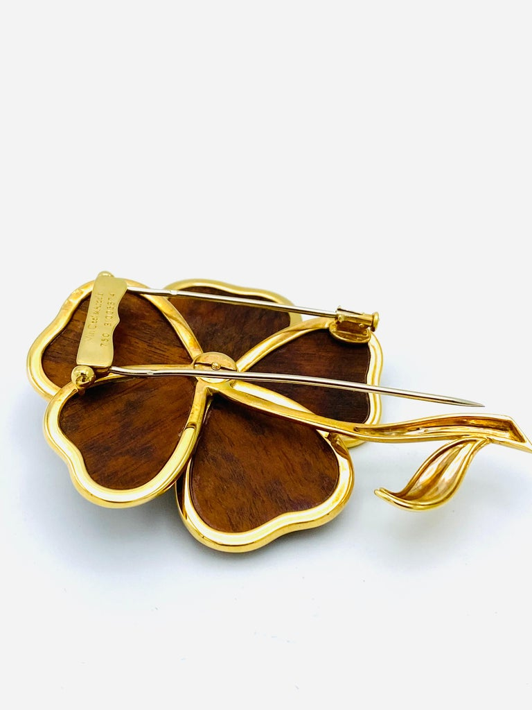 Van Cleef and Arpels Clematis Yellow Gold, Wood and Diamond Flower Clip Brooch  For Sale 1