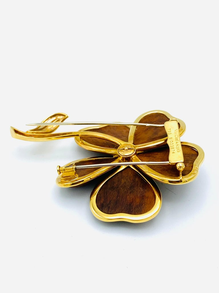 Van Cleef and Arpels Clematis Yellow Gold, Wood and Diamond Flower Clip Brooch  For Sale 2