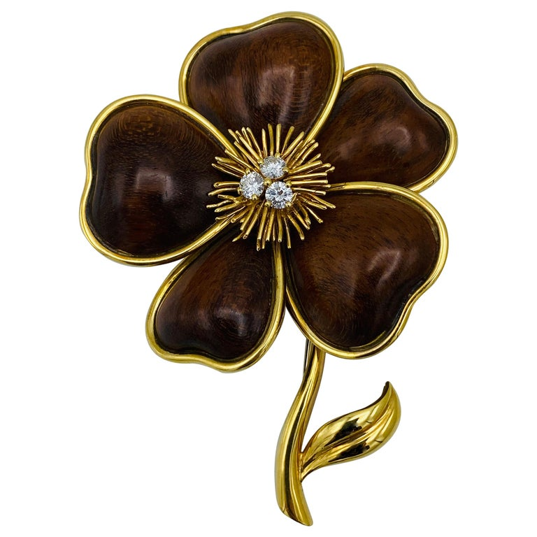 Van Cleef and Arpels Clematis Yellow Gold, Wood and Diamond Flower Clip Brooch  For Sale