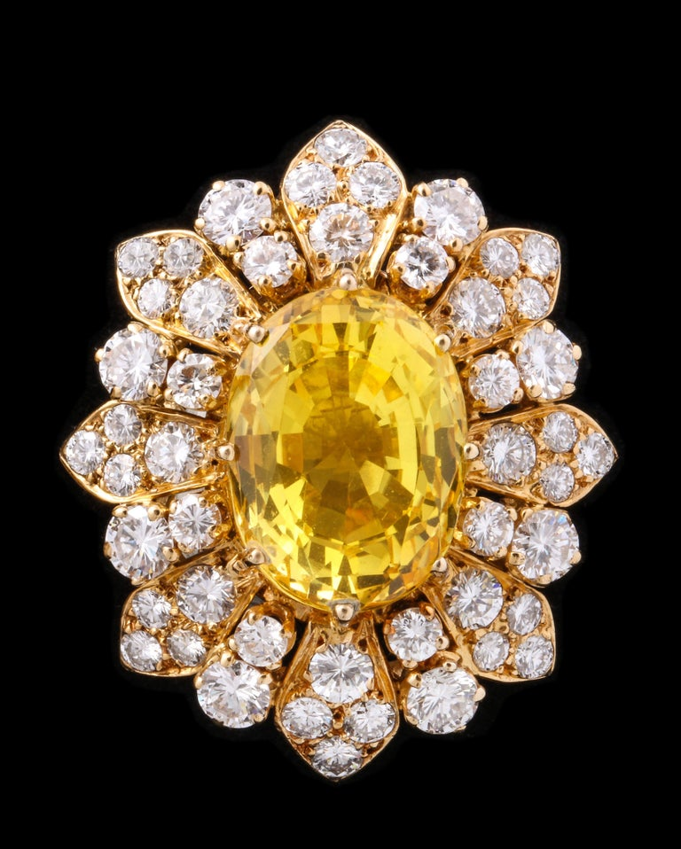 Van Cleef & Arpels Yellow Sapphire and Diamond Earrings In Excellent Condition For Sale In New York, NY