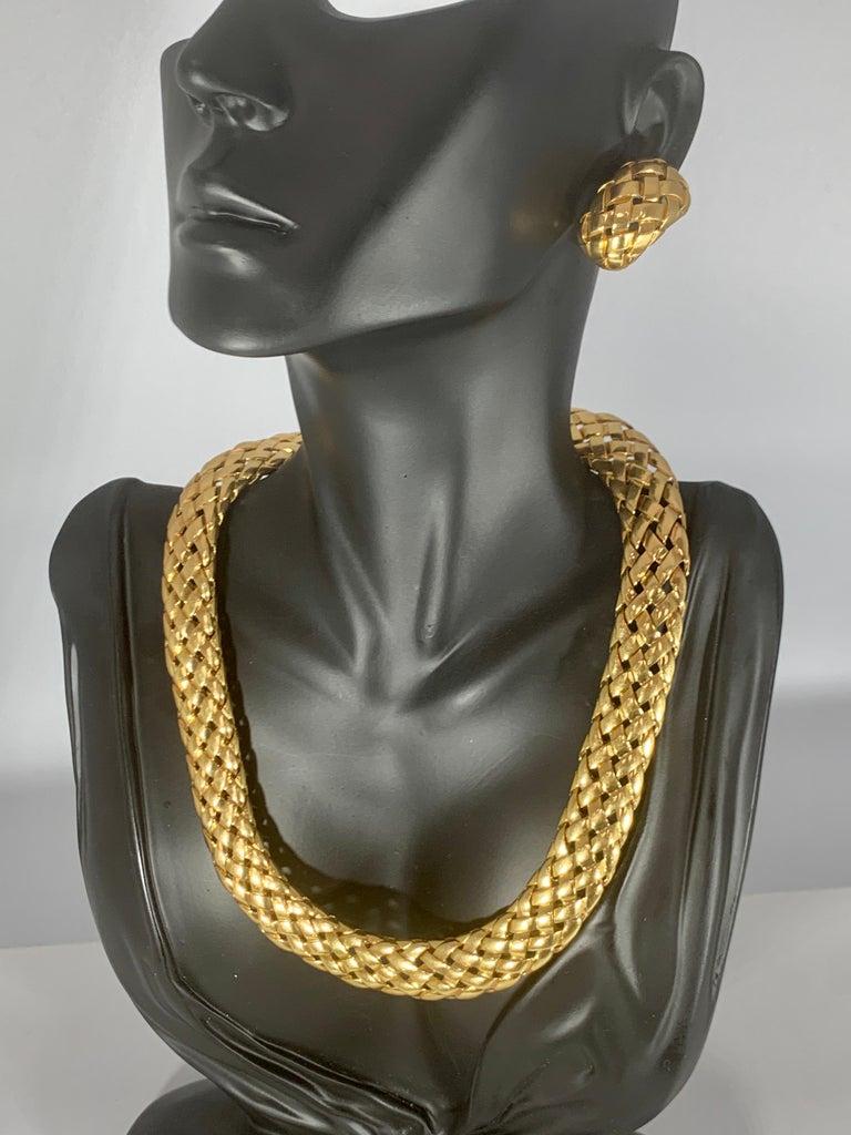 Van Cleef & Arpels Necklace and Earrings Bridal Suite 128 Grams 18k Gold, Estate For Sale 5