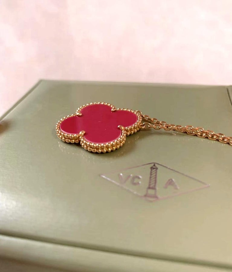 Van Cleef & Arpel Raspberry Pink Sèvres Porcelain Magic Pendant 18k Pink Gold For Sale 3