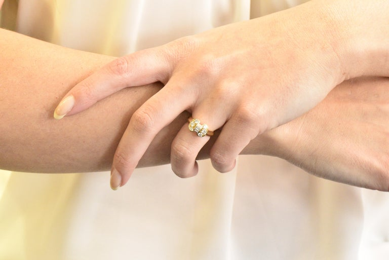 Van Cleef & Arpels 0.60 Carat Diamond 18 Karat Yellow Gold Bow Ring 1