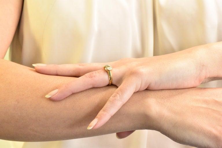 Van Cleef & Arpels 0.60 Carat Diamond 18 Karat Yellow Gold Bow Ring 3