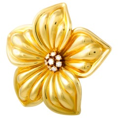 Van Cleef & Arpels 0.85 Carart Diamond Yellow Gold Flower Brooch