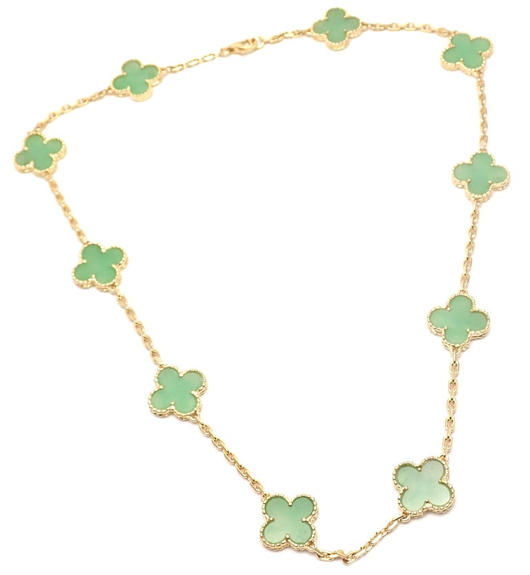 Van Cleef & Arpels 10 Motif Jade Vintage Yellow Gold Alhambra Necklace In Excellent Condition In Holland, PA