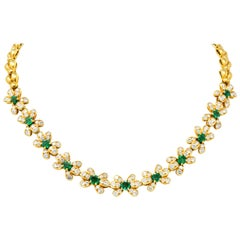 Van Cleef & Arpels 10.74 Carat Diamond Emerald 18 Karat Gold Floral Necklace