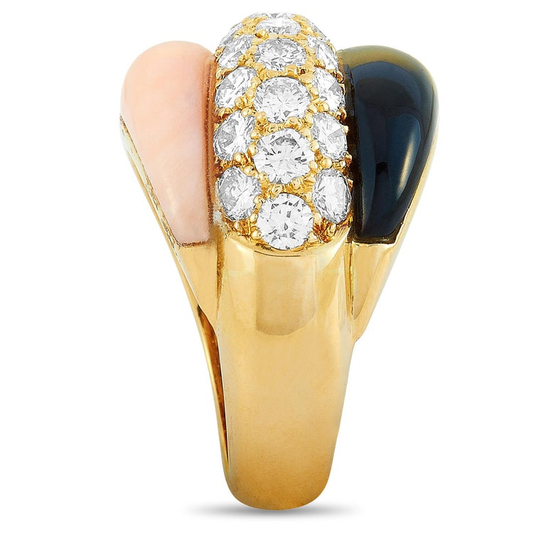 Van Cleef & Arpels 1.42 Carat Diamond and Black/Pink Coral Yellow Gold Ring In Excellent Condition In Southhampton, PA