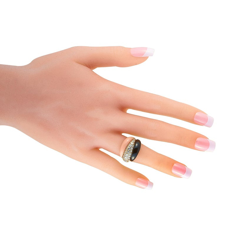 Women's Van Cleef & Arpels 1.42 Carat Diamond and Black/Pink Coral Yellow Gold Ring