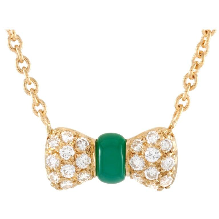 Van Cleef & Arpels 18 Karat Gold 0.39 Carat Diamond and Chrysoprase Pendant For Sale