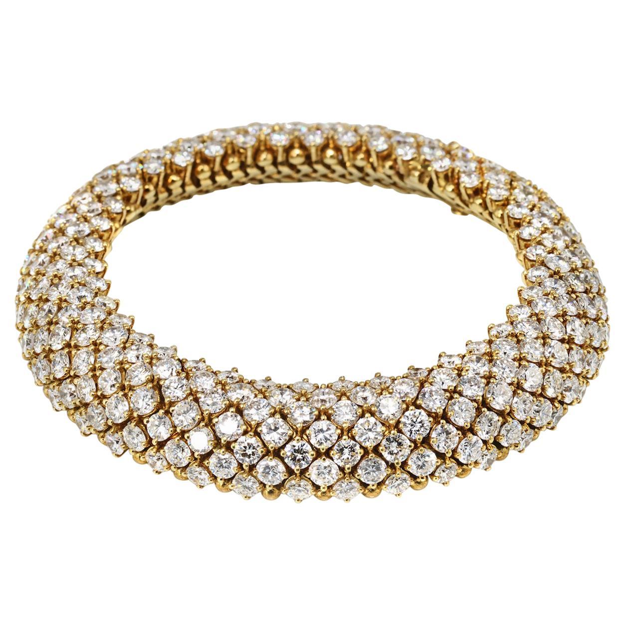 Van Cleef & Arpels 40.00 Carat Diamond Multi Row 18 Karat Gold Bracelet