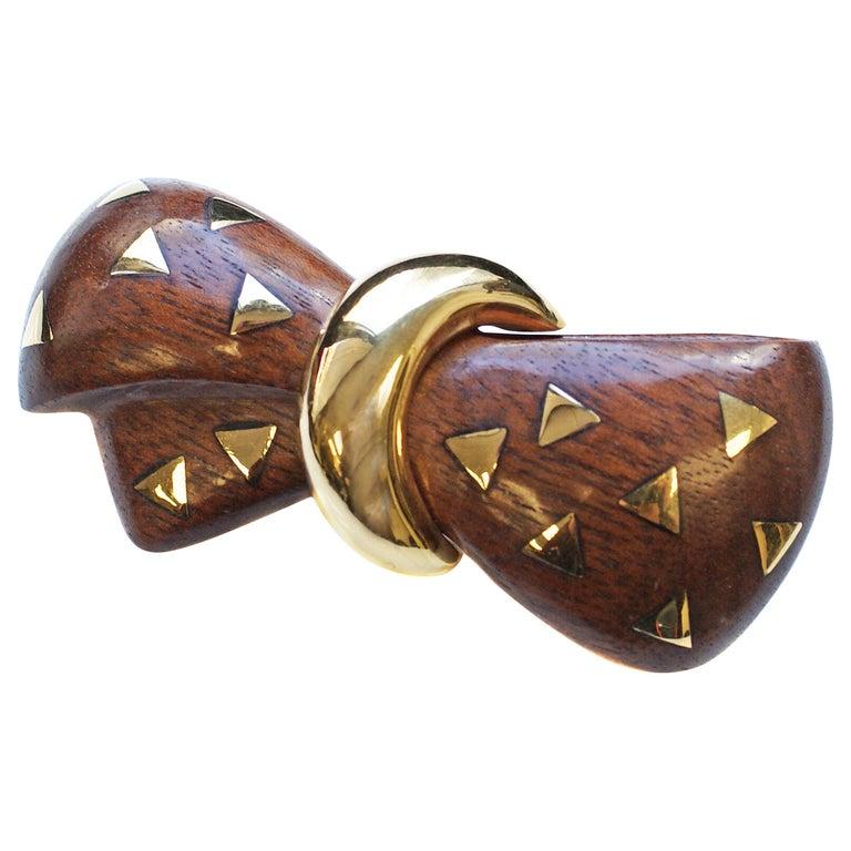 Van Cleef & Arpels 18 Karat Gold and Wooden Bow Brooch For Sale