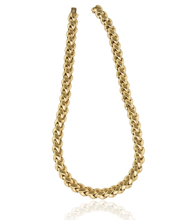 Women's or Men's Van Cleef & Arpels 18 Karat Solid Gold Ladies Necklace, France / Paris, 1990s For Sale
