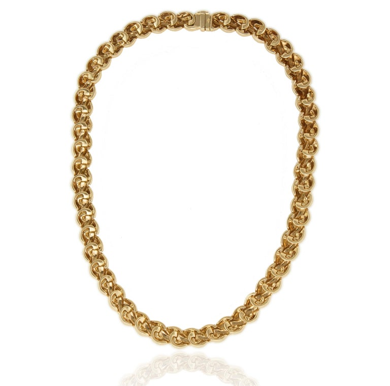 Van Cleef & Arpels 18 Karat Solid Gold Ladies Necklace, France / Paris, 1990s For Sale 1