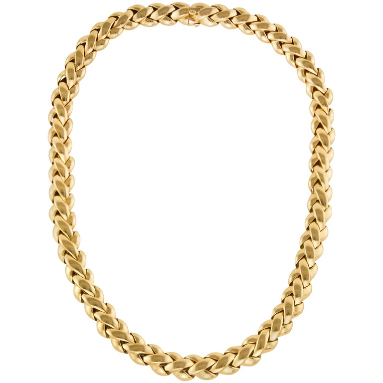Van Cleef & Arpels 18 Karat Solid Gold Ladies Necklace, France / Paris, 1990s For Sale