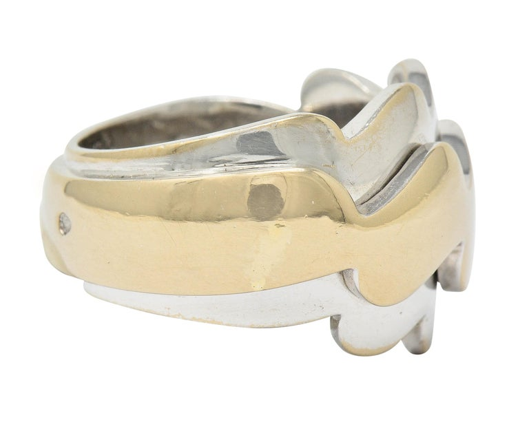 Contemporary Van Cleef & Arpels 18 Karat Two-Tone Gold Vintage Wave Band Ring For Sale