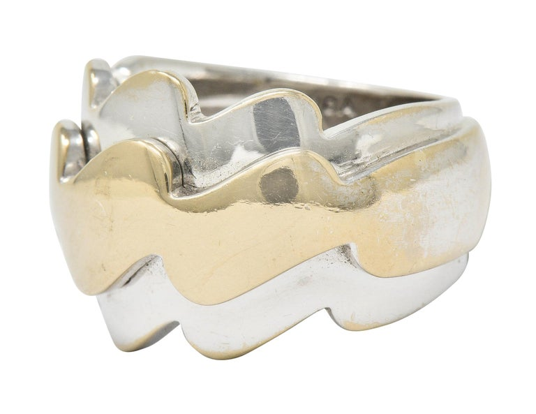 Van Cleef & Arpels 18 Karat Two-Tone Gold Vintage Wave Band Ring For Sale 1