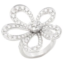 Van Cleef & Arpels 18 Karat White Gold Round Cut Diamond Flowerlace Ring