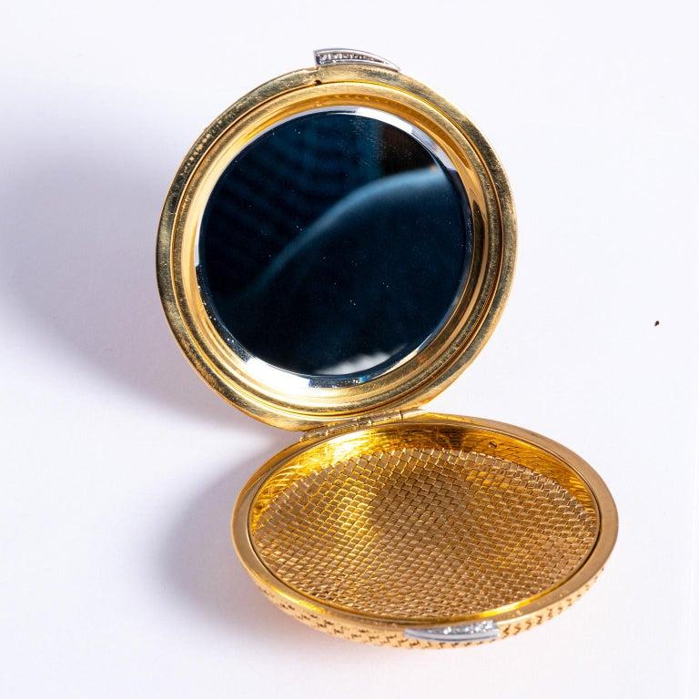 Women's Van Cleef & Arpels 18 Karat Yellow Gold and Diamond Compact For Sale