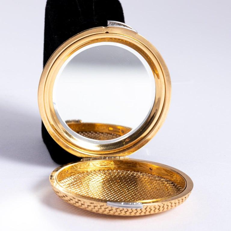 Van Cleef & Arpels 18 Karat Yellow Gold and Diamond Compact For Sale 2