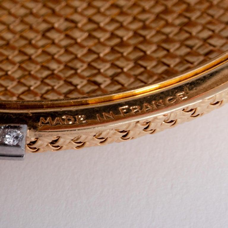 Van Cleef & Arpels 18 Karat Yellow Gold and Diamond Compact For Sale 5