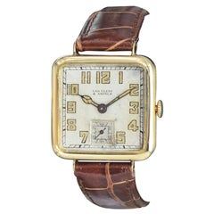 Van Cleef & Arpels 18 Karat Yellow Gold Art Deco Manual Wind Watch, circa 1930s
