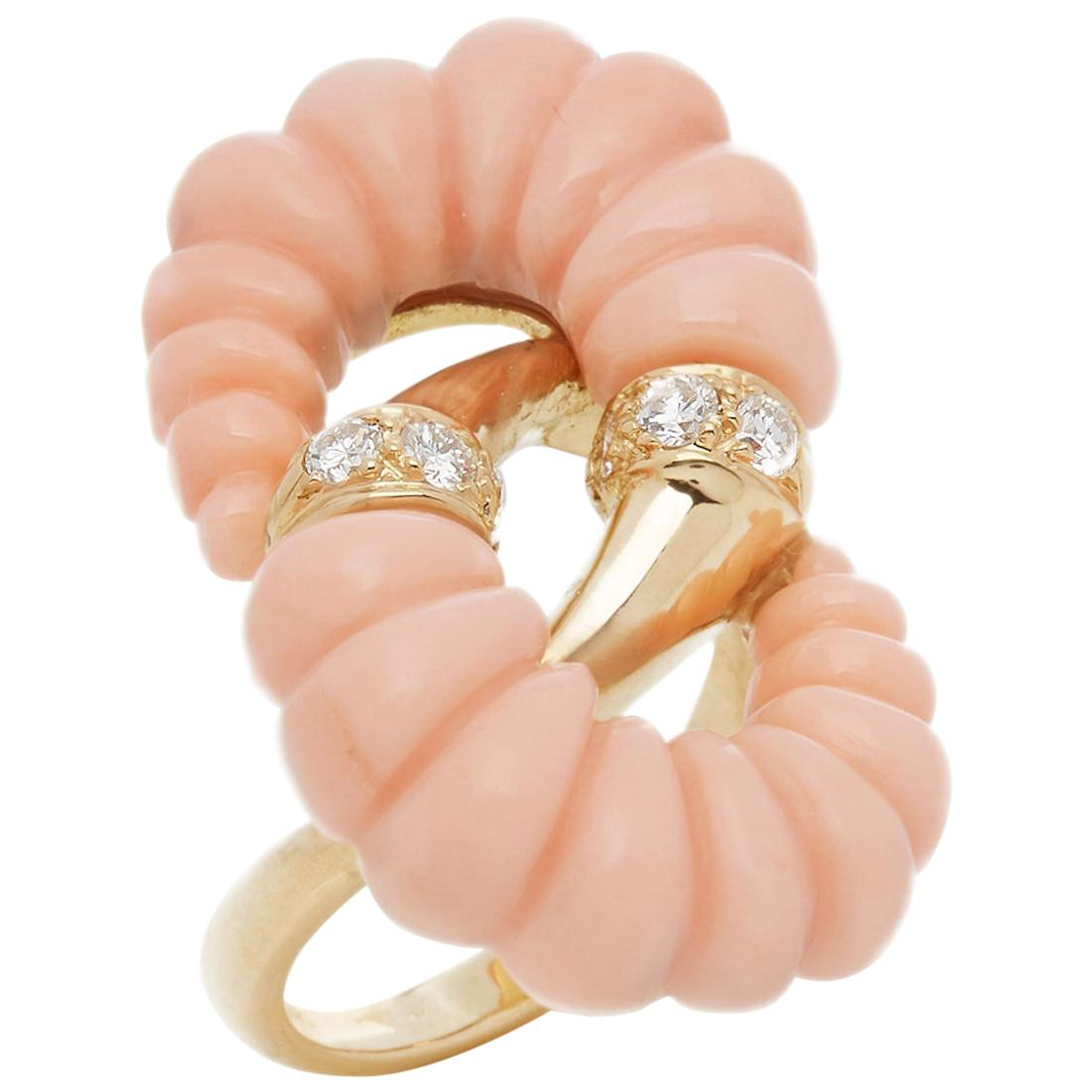 Van Cleef & Arpels 18 Karat Yellow Gold Coral and Diamond Vintage Ring