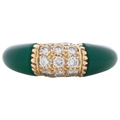 Van Cleef & Arpels 18 Karat Yellow Gold Diamond and Chrysoprase Phillipine Ring