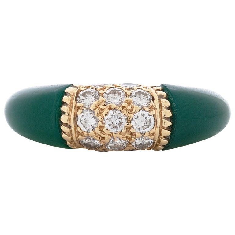 Van Cleef & Arpels 18 Karat Yellow Gold Diamond and Chrysoprase Phillipine Ring For Sale