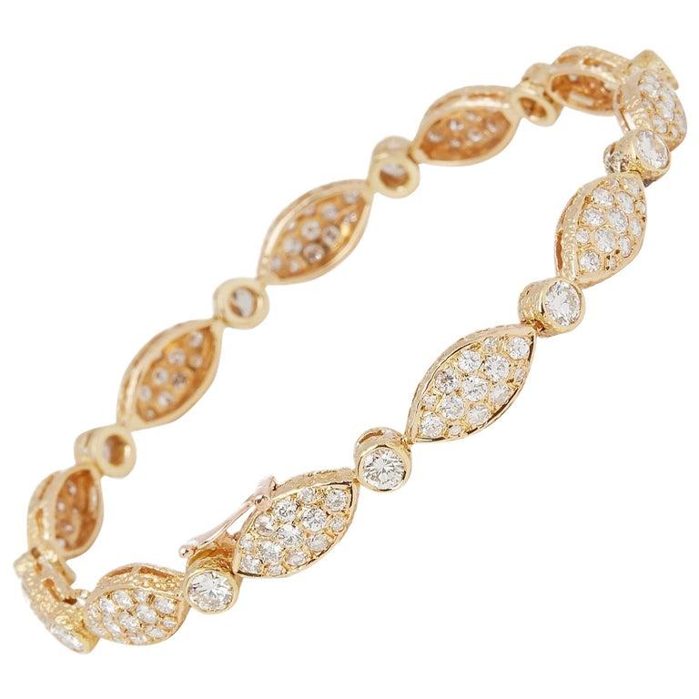 Van Cleef & Arpels 18 Karat Yellow Gold Diamond Bracelet For Sale