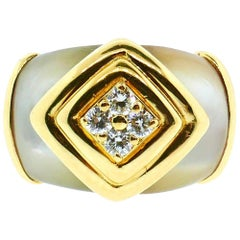 Van Cleef & Arpels 18 Karat Yellow Gold Mother of Peal Diamond Ring