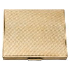 Van Cleef & Arpels 18 Karat Yellow Gold Powder Compact