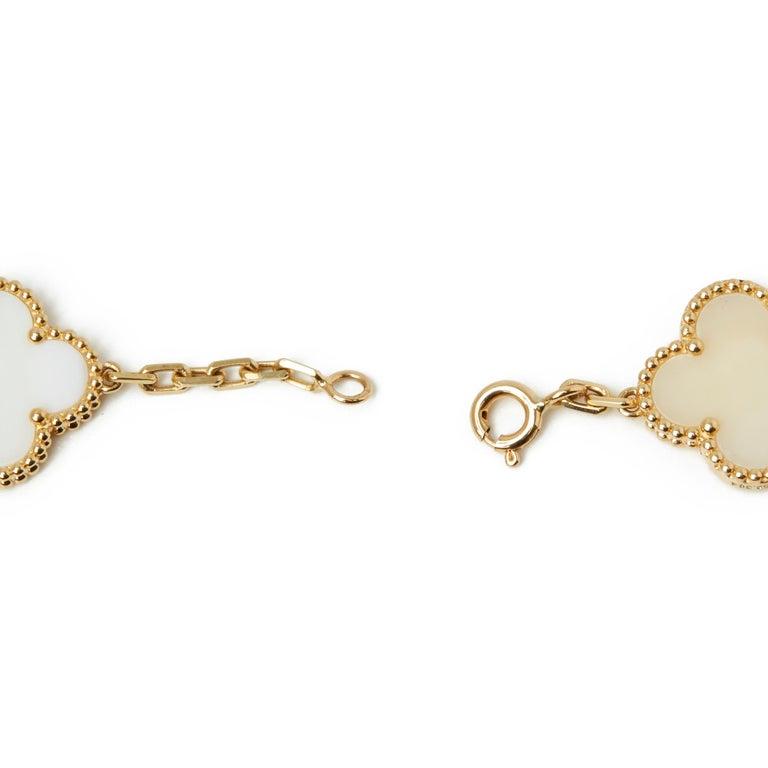 Van Cleef & Arpels 18 Karat Yellow Gold White Coral Vintage Alhambra Necklace For Sale 1