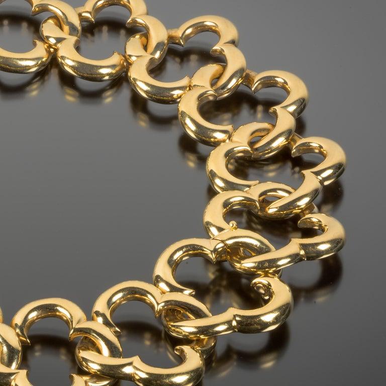 Women's or Men's Van Cleef & Arpels 18 Karat Gold Alhambra Collar Necklace For Sale