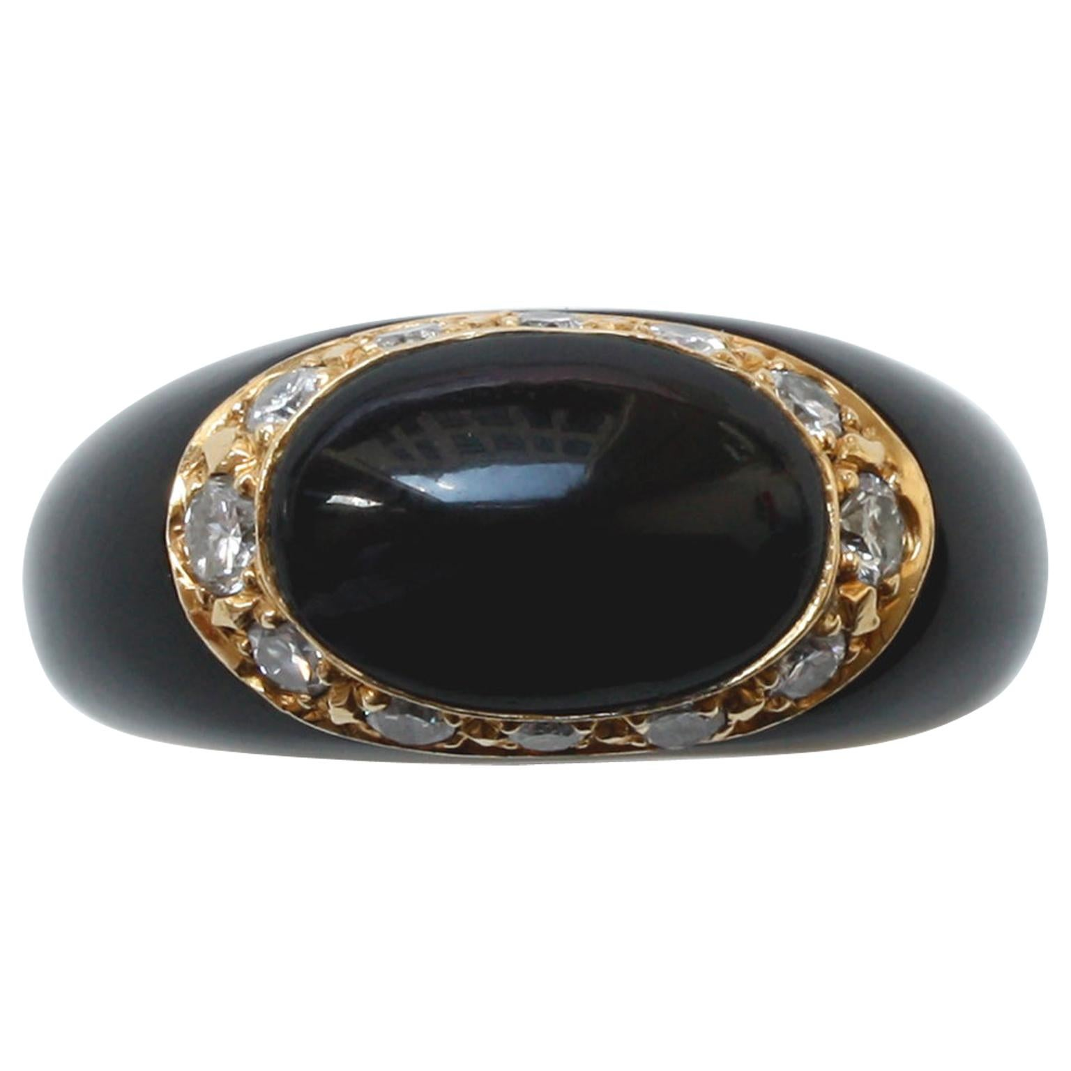 Van Cleef & Arpels 18 Karat Gold, Onyx and Diamond Fidji Ring